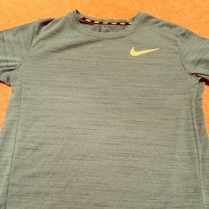Boys Nike dry fit shirt